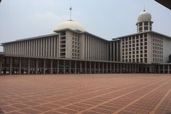 Grand Istiqlal Mosque Tour with Holiday Jakarta City Tour and guide Andi