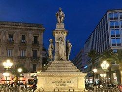 Monumento a Vincenzo Bellini