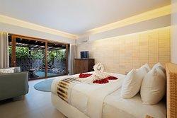 Executive Suite Honeymoon Decoration