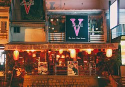 V Cafe (Restaurant/Bar/Live Music)