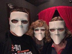 ходить моджо только в масках