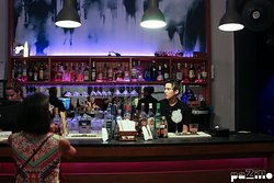 Creative cocktails and efficient service #barpaZillo