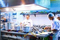 Fresh & hygienic Food