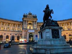 Prinz Eugen Statue