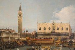 Bucintoro al Molo, Canaletto