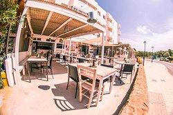 Formentera Burger & Lario's