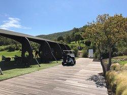 Schöner Golfplatz, grossartiges Clubhaus und wunderbare Terrasse