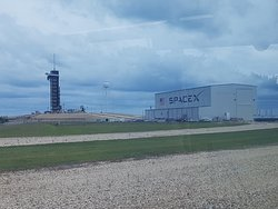 SpaceX & historic Launch Pad 39A (from where Apollo missions launched to the Moon & now leased to SpaceX) at KSC