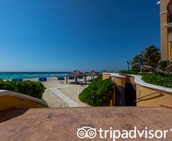 The South Pool at The Ritz-Carlton, Cancun