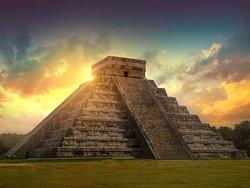Tours y excursiones a zonas arqueológicas en Quintana Roo y Yucatan.