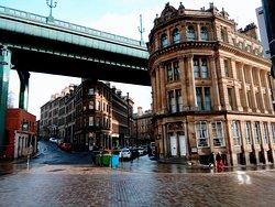 Город под мостом