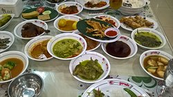 Padang overflow of dishes