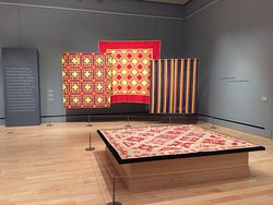 Cheddar quilt exhibit at the International Quilt Museum.