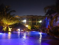 Tropical Rainforest inspired hotel, great service, well appointed rooms, excellent restaurant!