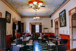 Privado Zamna, renta para eventos privados o comidas empresariales, cuenta con aire acondicionado.