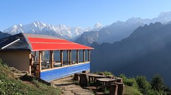 Best Place to stay if you like to have view of Nandadevi while getting up from Bed. Blue Poppy is one of the best staying option in Auli. Check Wikipedia if you don't believe. Great stay... Kudos to all the team looking after all the guests with big smile on their face.