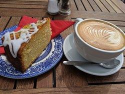 Amazing coffee and cake!!!