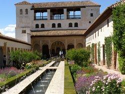 """heaven on earth garden"" at Alhambra"