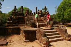 Polonnaruwa - amazing ruins of a former town.