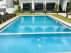swimming pool at crocotopond