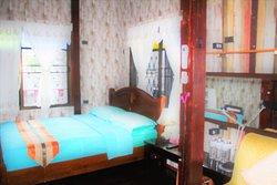 Siam family room