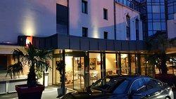 Бюджетный отель недалеко от центра