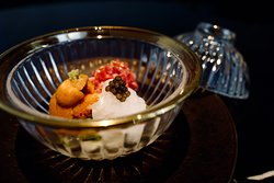 Designed and crafted by Ryota Kanesawa, the new signature dish showcases premium quality ocean harvests in a bowl, namely Hokkaido sea urchin, seasoned omi wagyu and caviar ika, the harvest that highlights the season