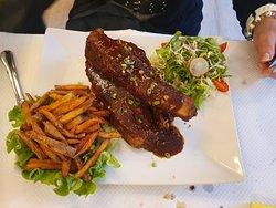 Travers de porcs marinades maison avec ses frites