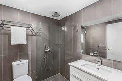 adina serviced apartments canberra dickson premier one bedroom bathroom