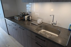 Kitchen counter, Room 519
