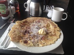 Huge and delicious pancakes!!!