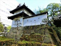 高崎城跡~7(乾櫓と狭間付きの修景用塗り込め塀)