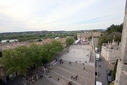 Вид со стены на площадь перед дворцом