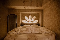Honeymoon Cave Suite