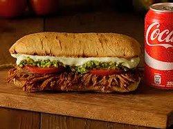 Acompaña cualquiera de nuestros sandwiches caseros con jugo, cafe o gaseosa.