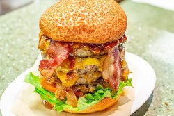 Ultimate beach burger (bring your appetite)