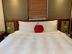 Butterfly on Wellington - bed