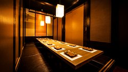 「新橋駅徒歩1分」各種ご宴会に最適な個室空間と飲み放題付プランをご用意しております。