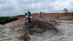 Moto Maniac Dirt Bike Enduro & Tours