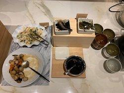 Great breakfast spread (6)