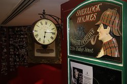 The Pub takes you back in time & reminds you of the good old days at Baker Street London.