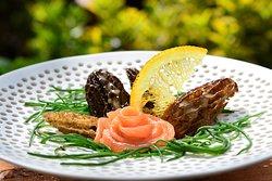 Geräuchte Forelle vom Weisstannental mit Morcheln und Mönchsbart
