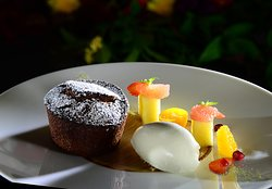Warmes Schokoladenkücklein mit Sauerrahmglace