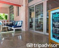 Entrance at the Circa 39 Hotel