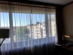 Excellent modern, quiet hotel