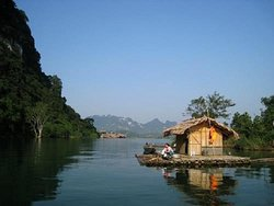 Vietnam Handicap Travel