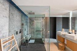 Beachfront Pool Villa  - Bathroom