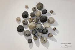 ESCRESCENZE - ANDREA MARINI - 2006 vetroresina, resina, sabbia - cm 160x160x46  Un'installazione del maestro Marini per Aura Maris, la mostra che stiamo per inaugurare alla Marina di Scarlino.  Il fondamento del lavoro artistico di Andrea Marini è l'idea del divenire che si attua attraverso il mutamento, generando da una forma un'altra forma, dalla materia altra materia, in un continuum che evoca quello della natura.