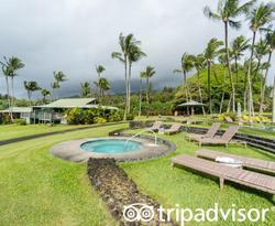 Hot Tub at the Pools at the Travaasa Hana, Maui