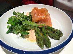 smoked salmon & asparagus